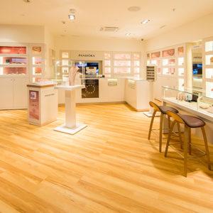 PANDORA eröffnet im neuen RailCity den ersten Concept Store in Zürich