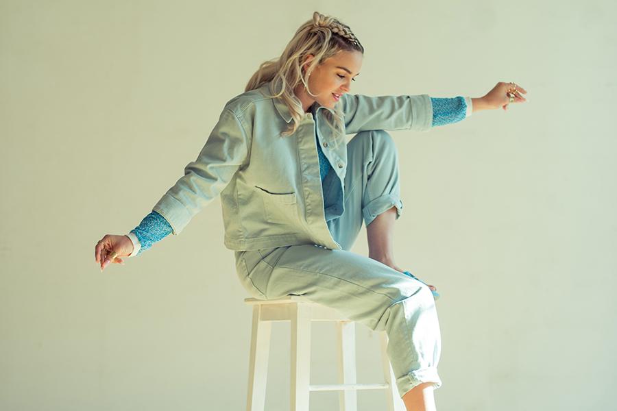 anne marie geht mit ed sheeran auf tour mit ciao adios fashionpaper das magazin f r. Black Bedroom Furniture Sets. Home Design Ideas