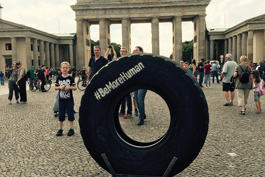 be more human reebok kampagne kommt nach berlin und m nchen fashionpaper das magazin f r. Black Bedroom Furniture Sets. Home Design Ideas