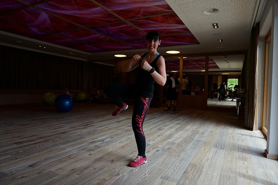 Boxen mit Regina Halmich im STOCK resort - TomTom