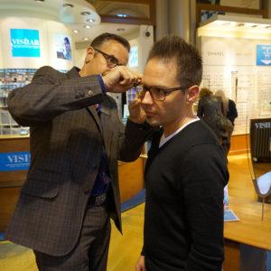 Brille einstellen - Testbericht Optiker VISILAB Brillen in Zürich