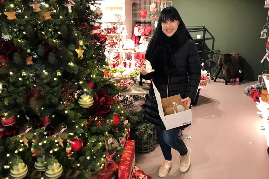 Wann Wurde Der Geschmückte Weihnachtsbaum Populär.Der Passende Weihnachtsschmuck Finden Fashionpaper Das Magazin