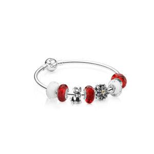 Gewinne ein PANDORA Armband mit Helvetia Charms zum 1. August