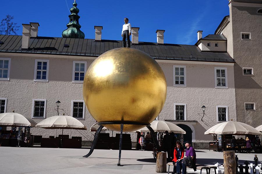 Salzburg Goldene Kugel