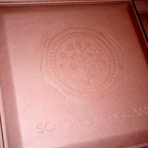 KAMEHA GRAND Zürich öffnen seine Tore Schokoladenwand