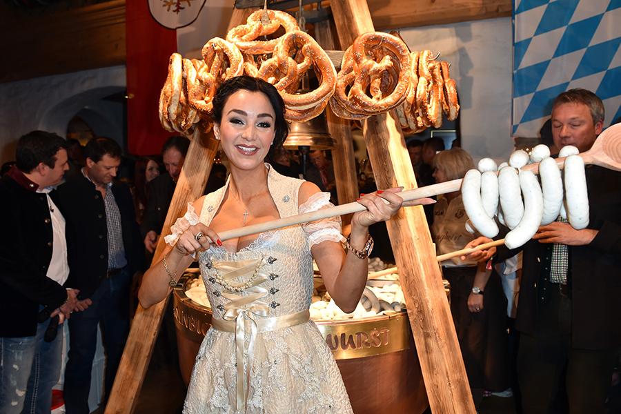 Stanglwirt im Tirol feiert die 25. Weisswurstparty mit Prominenten
