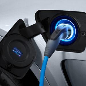 Tanken - BMW X5 xDrive40e - das erste Plug-in-Hybrid-Automobil
