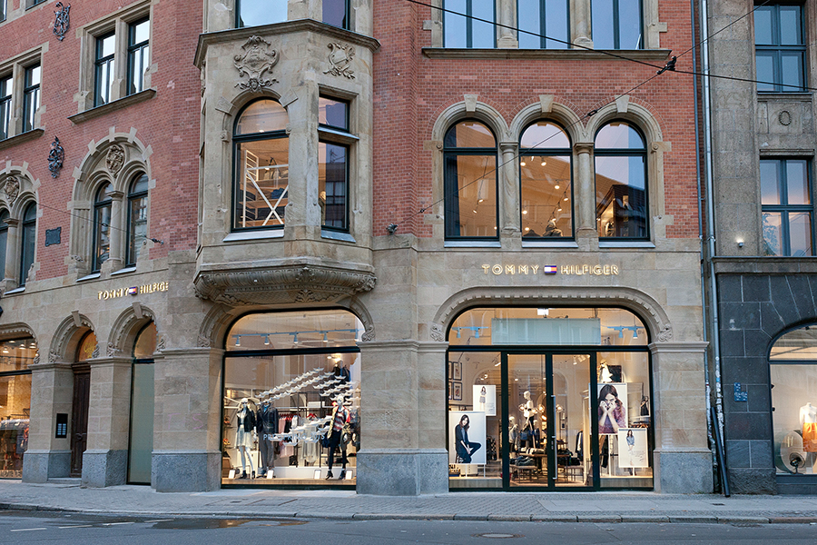 tommy hilfiger er ffnete anchor store in berlin fashionpaper das magazin f r fashion beauty. Black Bedroom Furniture Sets. Home Design Ideas