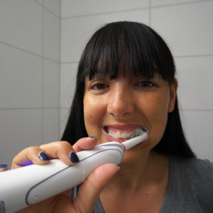Tutorial Zahnselfie mit der Oral-B Zahnbürste Trizone Bluetooth®-Technologie