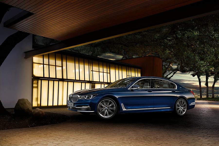 zukunftsweisender-luxus-das-bmw-7er-jubilaeumsmodell